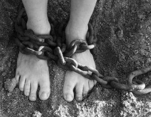 mujer sumisa es esclava